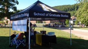 Grad School Tent & Graduate School Sponsors Welcome Tent on Sanford Lawn for New ...